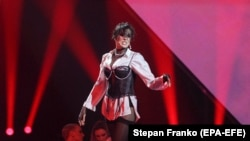 Out Of Tune In Ukraine? Unpatriotic Pop Diva Dropped From Eurovision