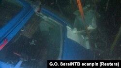 Фотографија од остатоците на рускиот хелихоптер на морското дно.