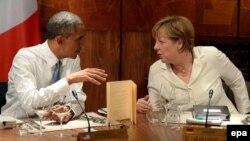 Президент США Барак Обама (ліворуч) і канцлер Німеччини Анґела Меркель