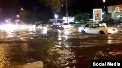 В мае 2017 года сильный дождь затопил более двадцати улиц Ташкента.
