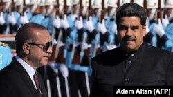 Nicolas Maduro (sağda) və Recep Tayyip Erdoğan