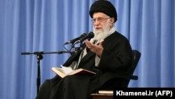 Iranian Supreme Leader Ayatollah Ali Khamenei has hailed medical workers for their efforts to combat the coronavirus outbreak. (file photo)