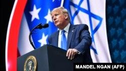 رئیسجمهوری آمریکا در جریان سخنرانی در نشست ملی «شورایاسرائیلیآمریکایی» حکومت ایران را «دیکتاتوری ستمگر» توصیف کرده است