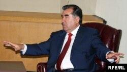 Тожикистон президенти Имомали Раҳмон Роғун ГЭСи қурилиши учун 2010 йилда бюджетдан 148 миллион доллар ажратилишини билдирди.