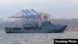 Корабель «Контр-адмірал Ксаверій Черницький» (Польща). Фото прес-центру Командування ВМС ЗС України