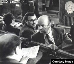 Фәндәс Сафиуллин Татарстан Югары советы сессиясендә. 1990 ел