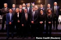 Лідер «Руху п'яти зірок» Луїджі Ді Майо перед виборами представляє майбутню команду уряду, Рим, Італія, 1 березня 2018 року
