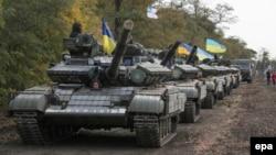 Українські танки недалеко від Маріуполя. Жовтень 2015 року. Ілюстраційне фото