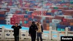 Шанхайдагы порт. 24-апрель, 2018-жыл.