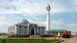Türkmenistanda namaz okaýan we il içinde dini agzaýan adamlar soraga çekilýär