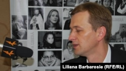 Dorin Drăguțanu, fostul guvernator BNM, în studioul Europei Libere de la Chișinău, 13 iunie 2013.