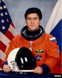 Салижан Шарипов – Кыргызстандын алгачкы космонавты.