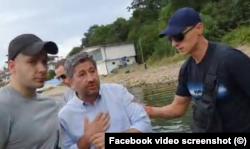 Двама от гардовете на НСО, които през юли не позволиха на Христо Иванов да остане на плажа до имота, ползван от Доган
