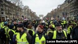 Францияда сары желетке кийгендердин нааразылык акциялары токтой элек.