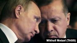 Presidenti i Rusisë, Vladimir Putin dhe presidenti turk, Reccep Tayip Erdogan.
