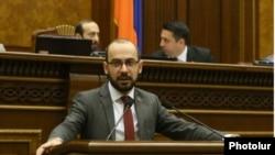«Իմ քայլի» պատգամավոր Արթուր Հովհաննիսյանը, արխիվ