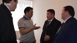 Депутаттар Садыр Жапаровго жолугуп чыгышты