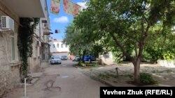 Один из дворов на улице Ленина, Севастополь