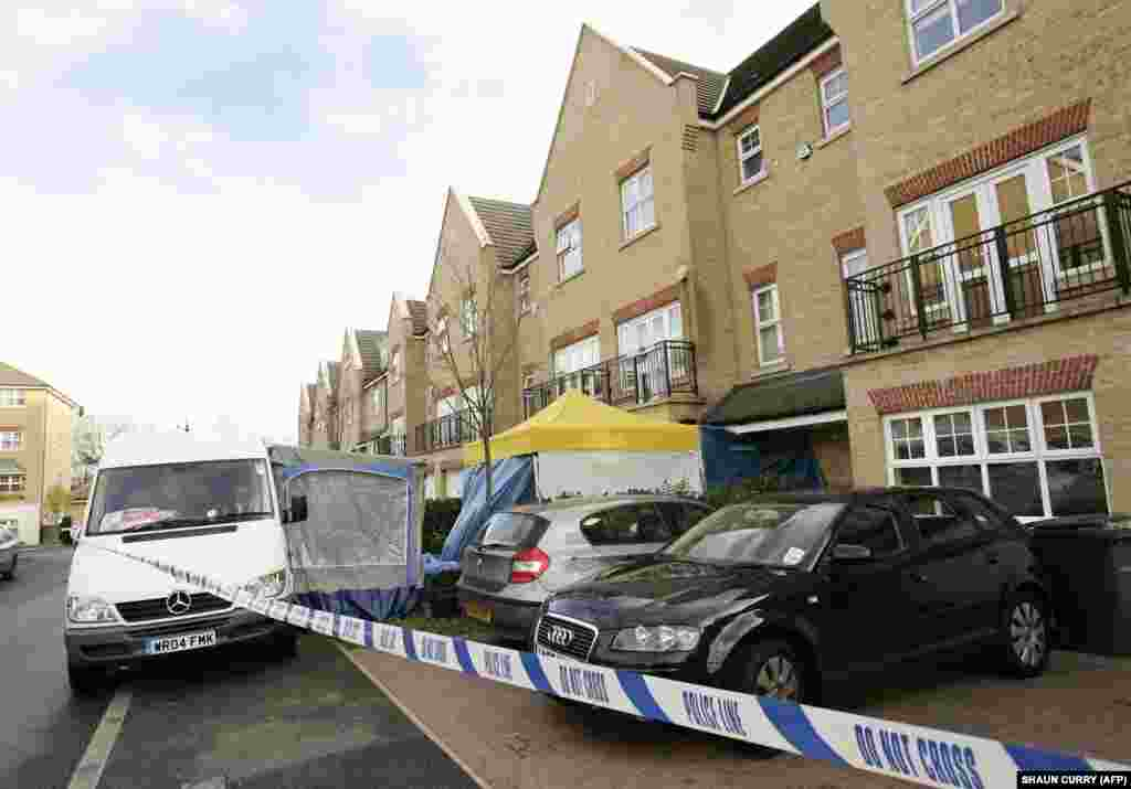 Police cordons are erected outside Litvinenko's home in north London on November 27, 2006, after he died in a suspected poisoning.