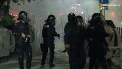 Косово: активісти закидали камінням поліцейських через затримання опозиціонера Курті (відео)