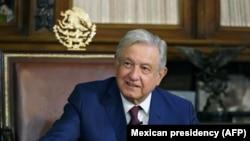 Andres Manuel Lopez Obrador telefonon egyeztet Vlagyimir Putyin orosz elnökkel, Mexikó város, Mexikó, 2021. január 25.