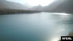 Тәжікстанның ең ірі су электр станциясы орналасқан Нүрек су қоймасы.