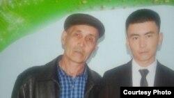 Мирзажон Дехканов с сыном.