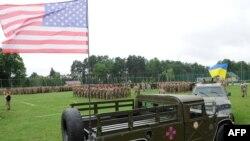 Вояки України і США на полігоні на Львівщині, 20 липня 2015 року (ілюстраційне фото)