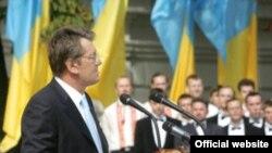В недрах пропрезидентского блока, похоже, зреет раскол, который может вылиться в создание партии, альтернативной неуклонно теряющей популярность «Нашей Украине»