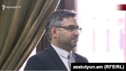 Председатель Комитета кадастра недвижимости Сархат Петросян (архив)