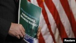 Из-за бюджетных разногласий между демократами и республиканцами и секвестра бюджета пришлось приостановить экскурсии для школьников в Белый Дом
