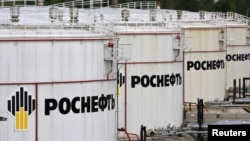 "The Russian leader said the ""unprecedented"" deal would see Russian company Rosneft supply hundreds of millions of tons of crude oil to China."