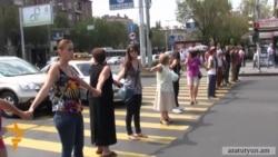 Жители и активисты вновь перекрыли улицы
