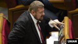 Народний депутат від фракції «Радикальної партії» Ігор Мосійчук під час засідання Верховної Ради України 17 вересня 2015 року