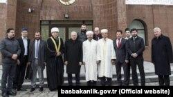 Төркия премьер-министры Бинали Йылдырым Мински мәчетенә килгәч