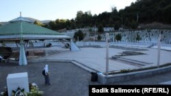 Memorijalni centar Potočari nakon kolektivne dženaze