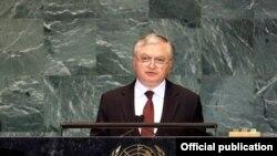 Էդվարդ Նալբանդյանը ելույթ է ունենում ՄԱԿ-ի Գլխավոր ասամբլեայի նստաշրջանում, 28-ը սեպտեմբերի, 2009թ.