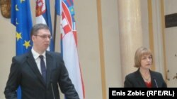Aleksandar Vučić i Vesna Pusić na konferenciji za novinare u Zagrebu, 29. travanj 2013.