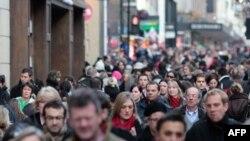 Британцы и сами понимают, что именно особенности национального характера мешают им совершать выгодные покупки.
