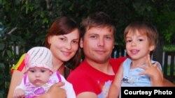 Алексей с семьей