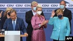 Меркел парламенттин жаңы курамы эмки канцлерди шайлагандан кийин гана бийликтен кетет.