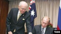 توافق اخیر میان دو کشور توسط پوتین و هاوارد امضا شد.
