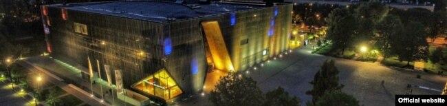 Музэй POLIN у Варшаве, прысьвечаны гісторыі польскіх габрэяў