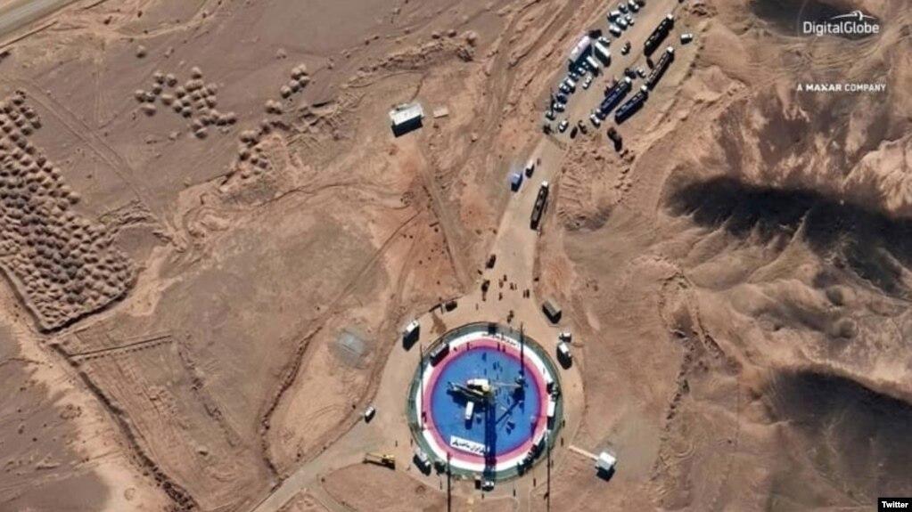 در تصاویر ماهوارهای که دیجیتالگلاب گرفته نمایی هوایی از «مرکز فضایی امام خمینی» در سمنان در روز سهشنبه و چهارشنبه دیده میشود