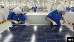 Две трети общемирового производства панелей для солнечных батерей сосредоточено в Китае