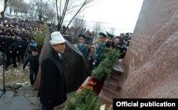 Боспиектеги эскерүү чарасына Президент А.Атамбаев катышты. 17.3.2016.