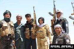 Некоторые женщины берутся за оружие, чтобы сражаться с талибами. Они считают, что если «Талибан» снова придет к власти, их 20-летние достижения будут потеряны. 25 июня 2021 года.