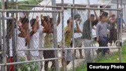 پناهجویان در بازداشگاه جزیره مانوس، پاپوآ گینه نو