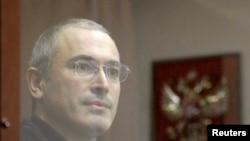Подсудимый Михаил Ходорковский. Москва, 28 октября 2010 года.