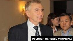 Игорь Рогов, Қазақстан Тұңғыш президент қоры директорының орынбасары.